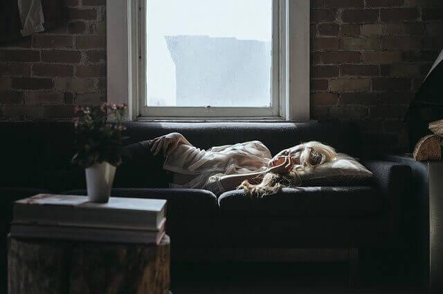 Por que estou sempre sonolento e cansado?