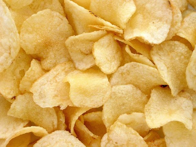 Posso ter acne se eu comer batatas fritas?