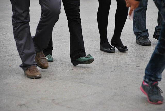 Pressão no joelho | Causa da pressão quando andar, ficar parado,  ou dobrar