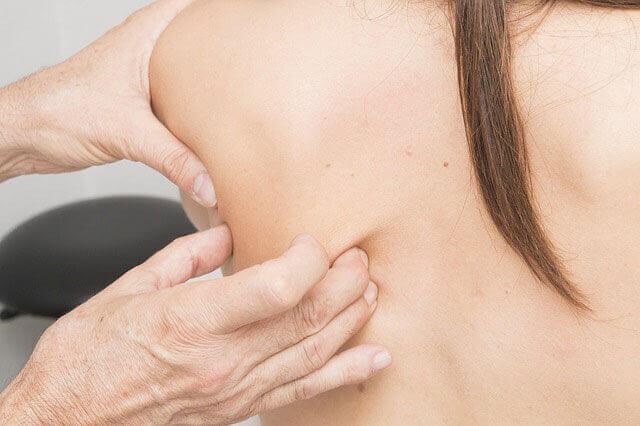 Quais são as causas de dores musculares e dores nas articulações?