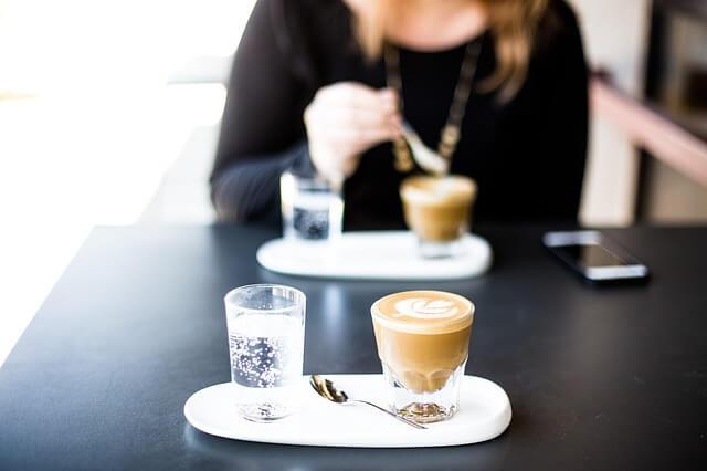 Quanto tempo dura o efeito da cafeína no organismo?