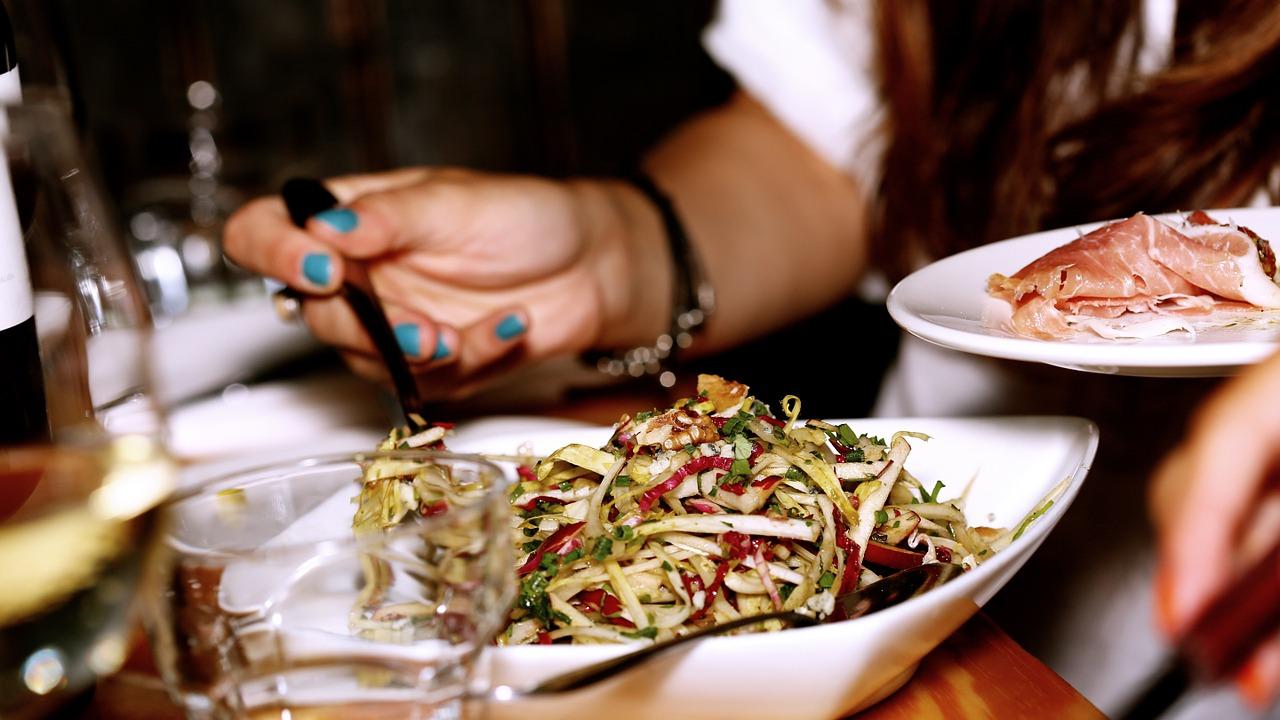 Reflexo gastrocólico | Movimento intestinal logo após comer