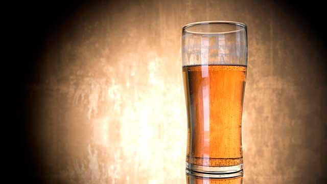 Refluxo Ácido de Cerveja | Sintomas, Acidez e Inchaço