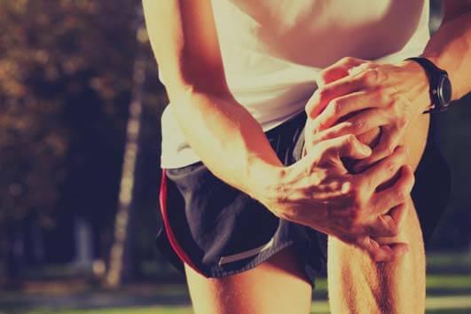 Remédios naturais para tratar em casa a dor no joelho