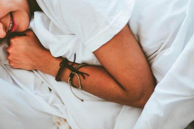 Sensação de peso no braço esquerdo | 7 razões possíveis