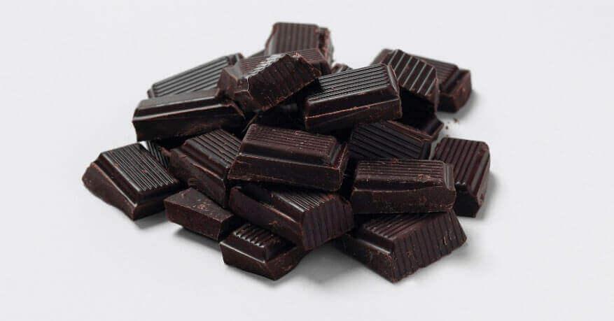7 benefícios surpreendentes para a saúde do chocolate escuro
