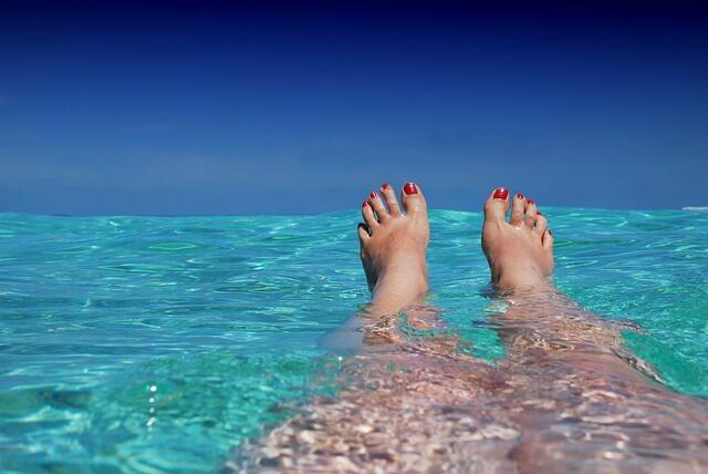 7 medicamentos que podem deixar a pele mais sensível ao sol e calor