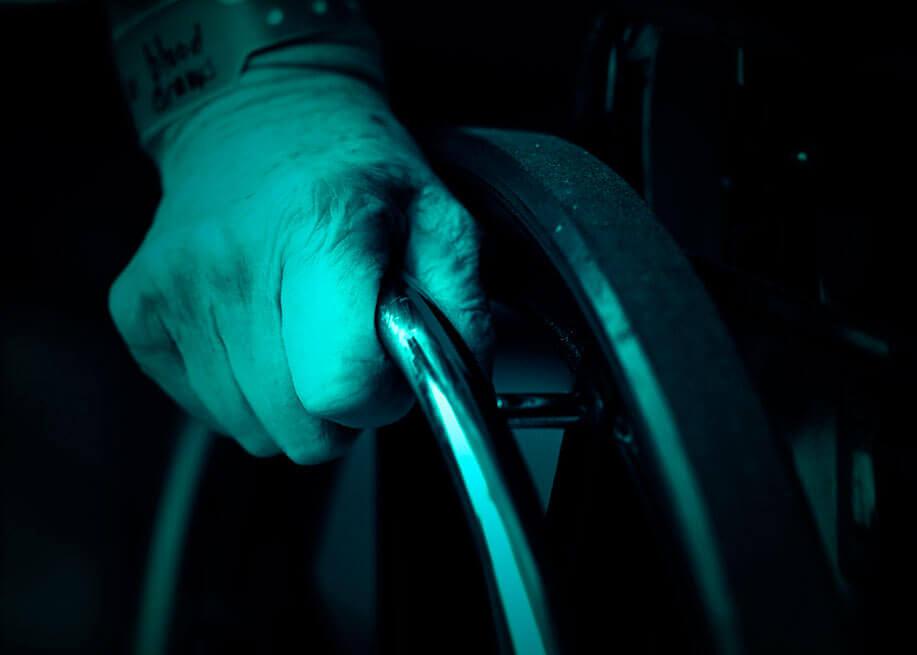 Sinais e sintomas de lesão da medula espinhal após um acidente