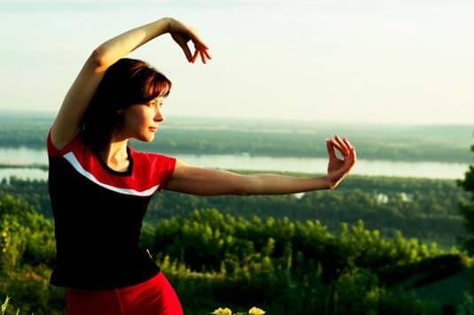 Sintomas de artrite reumatoide - yoga ou tai chi pode ajudar?