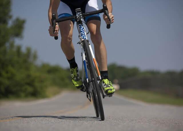 Sintomas de dor de Hérnia Inguinal da bicicleta