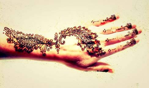 Tatuagens de Henna podem causar reações na pele