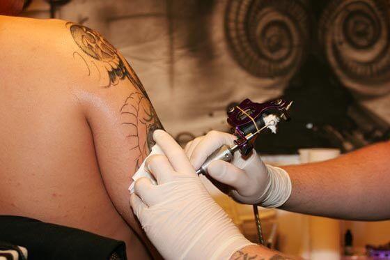 Tatuagens podem representar perigos para a saúde