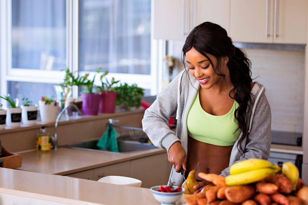 Você deve comer depois de um treino noturno?