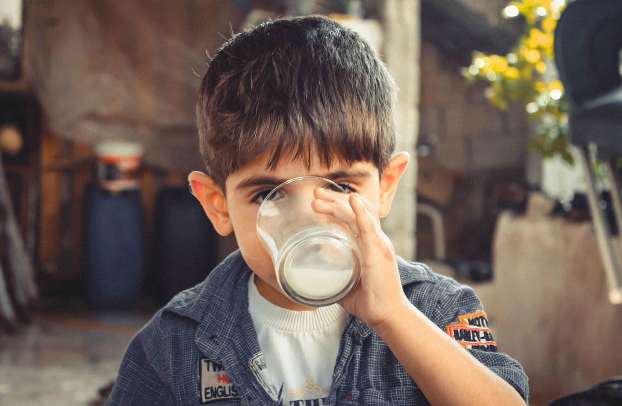 Você pode desenvolver uma alergia a leite em qualquer idade?